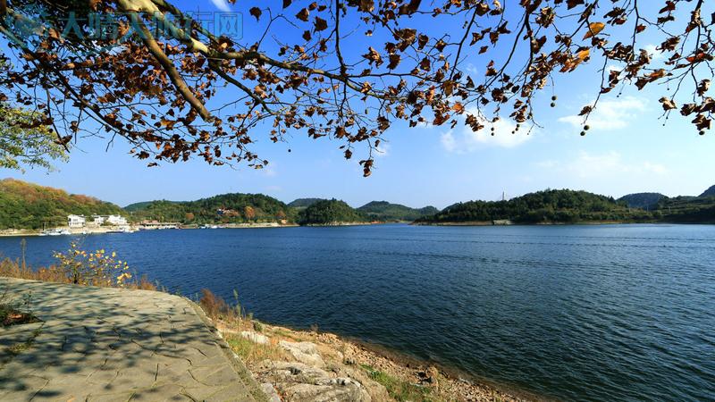 贵阳市甲秀楼,红枫湖风景区旅游攻略